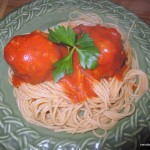 Easy Sunday Dinner: Spicy Chicken Meatballs with Spaghetti